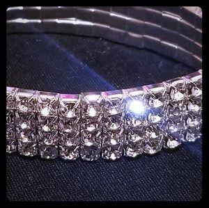Sparkly Crystal Bracelet NWOT Strechy